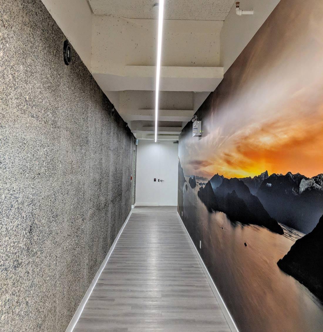 Ipsos - Hallway